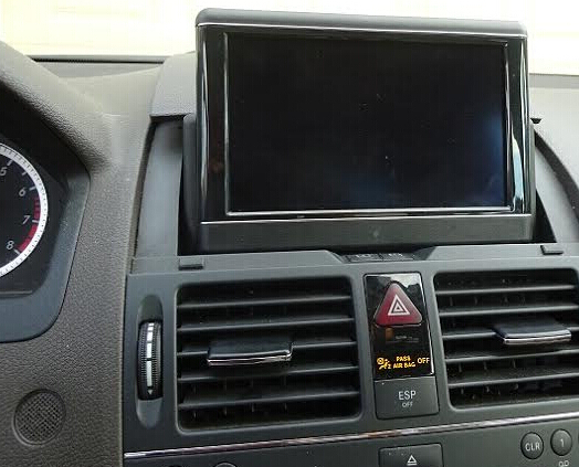 mercedes-w204-largescreen