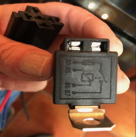 relay for reverse camera